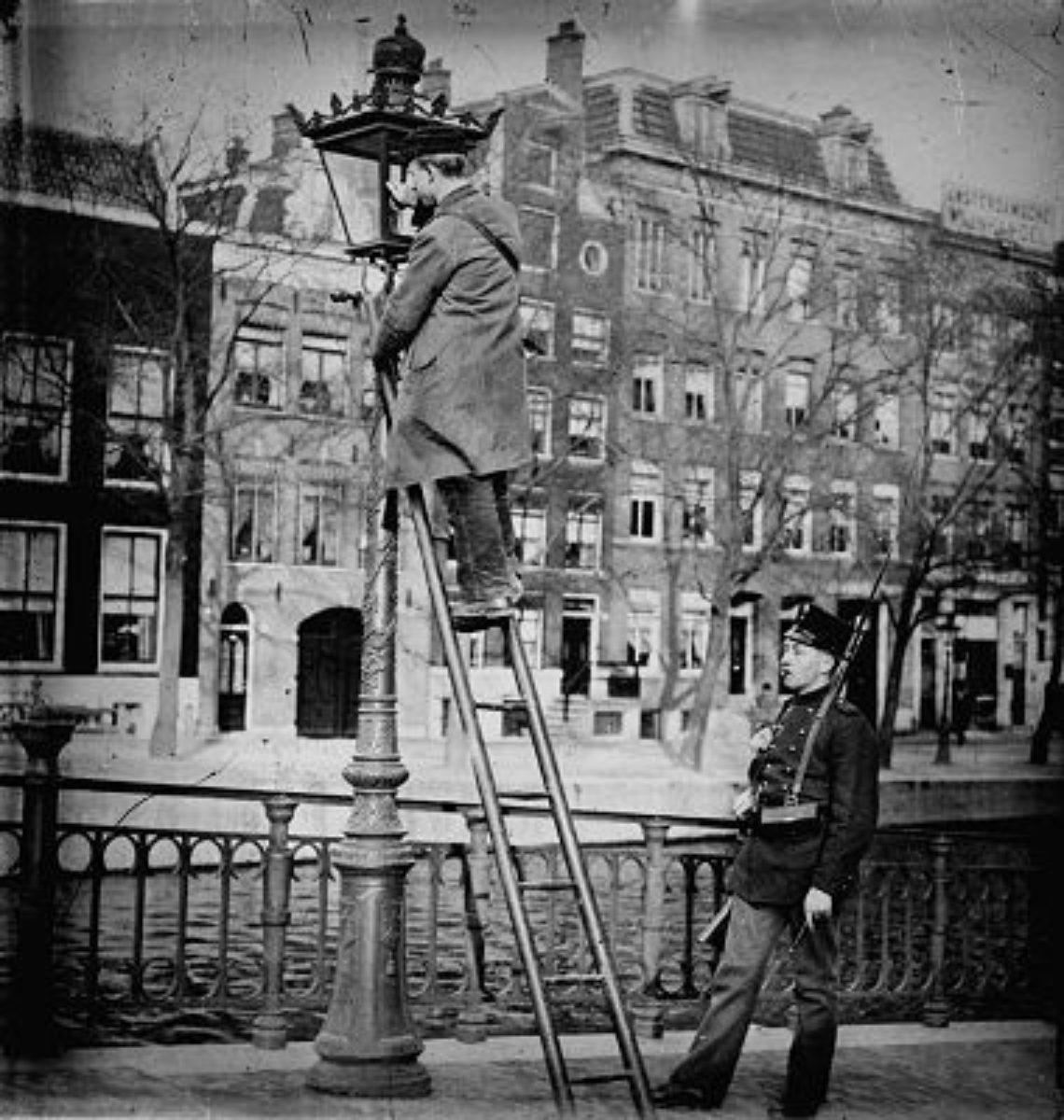 Amsterdamse Grachtenmast Oud